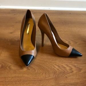 H by Halston Leather Pump